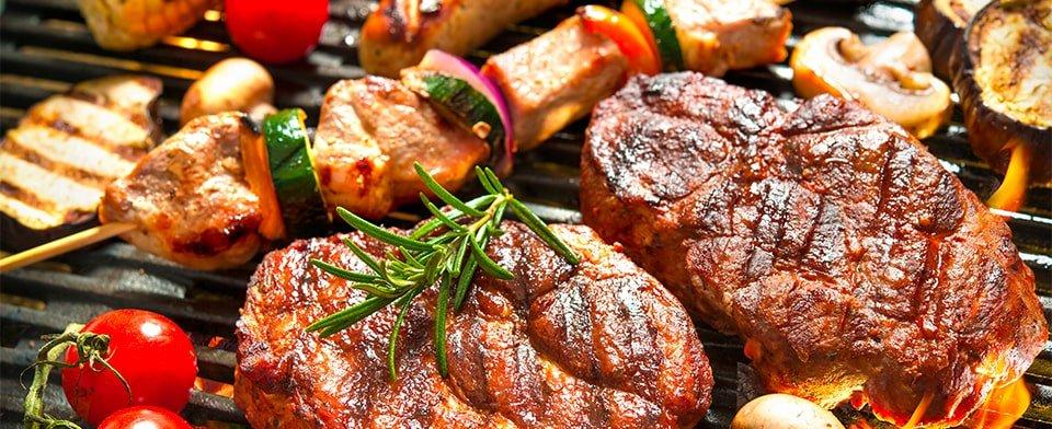 Carne alla brace, impara i trucchi per essere il re del barbecue